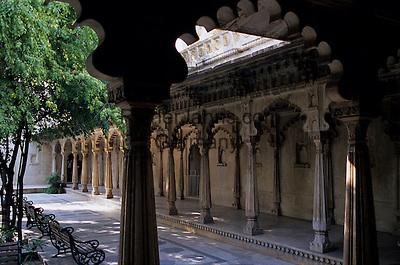 India, Rajasthan, Udaipur: City Palace, courtyard | Indien, Rajasthan, Udaipur: City Palace, Innenhof