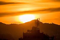 RJ. Rio de Janeiro. 22/05/2020 CLIMA TEMPO. Amahecer desta sexta-feira, (22), vista do bairro das Laranjeiras, zona sul.