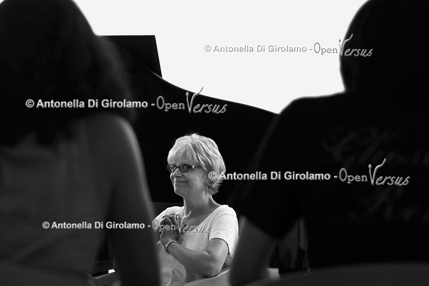 RomeSmarts - Rome Summer Musical Arts.<br /> Toyich International Projects in collaboration with the University of Toronto, Canada.<br /> Music Lesson and  rehearsal Concert.<br /> Charity activity<br /> <br /> Toyich International Projects in collaborazione con l'Università di Toronto, Canada.<br /> Lezione di musica e concerto di prova<br /> Attività di beneficenza