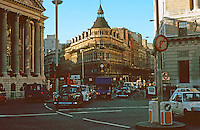London:  No. 1 Poultry, Mansion House to left, Natwest Bank to right. Photo '90.
