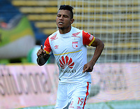 MEDELLIN - COLOMBIA - 15-08-2015: Wilson Morelo  jugador del Independiente Santa Fe  celebra su gol contra el  Independiente  Medellin  durante partido  por la fecha 5 de la Liga Aguila II 2015 jugado en el estadio Atanasio Girardot. / Wilson Morelo  player of Independiente Santa Fe  celebrates his goal against  of Independiente Medellin   during a match for the five date of the Liga Aguila II 2015 played at Atanasio Girardot stadium in Medellin city. Photo: VizzorImage / Leon Mosalve  / Str.