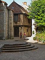Europe/Europe/France/Midi-Pyrénées/46/Lot/Cajarc: Maison à colombage du XVI éme siècle à coté de l'église