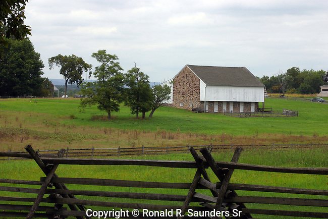 RUSTIC FENCE AND FARM BUILDING IN GETTYSBURG