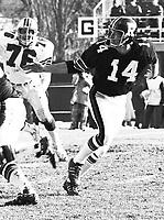 Jerry Keeling Ottawa Rough Riders quarterback 1973 Copyright photograph Scott Grant