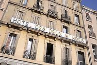 - Marsiglia, facciata di un albergo nel quartiere popolare di Belsunce<br /> <br /> - Marseille, facade of an hotel in the popular district of Belsunce
