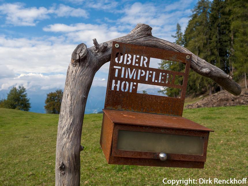 Briefkasten Obertimpeler Hof bei Vöran, Region Südtirol-BolzanoBozen, Italien, Europa<br /> farmhouse letterbox  near Vöran, Region South Tyrol-Bolzano, Italy, Europe