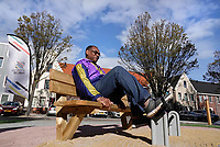 Nederland - Zaandam- September 2019.  In Straat Davis staan sporttoestellen speciaal voor senioren. De toestellen kunnen door iedereen gebruikt worden. Twee keer per week geeft Sportbedrijf Zaanstad gratis les.    Foto mag niet in negatieve / schadelijke context gepubliceerd worden.  Foto Berlinda van Dam / Hollandse Hoogte