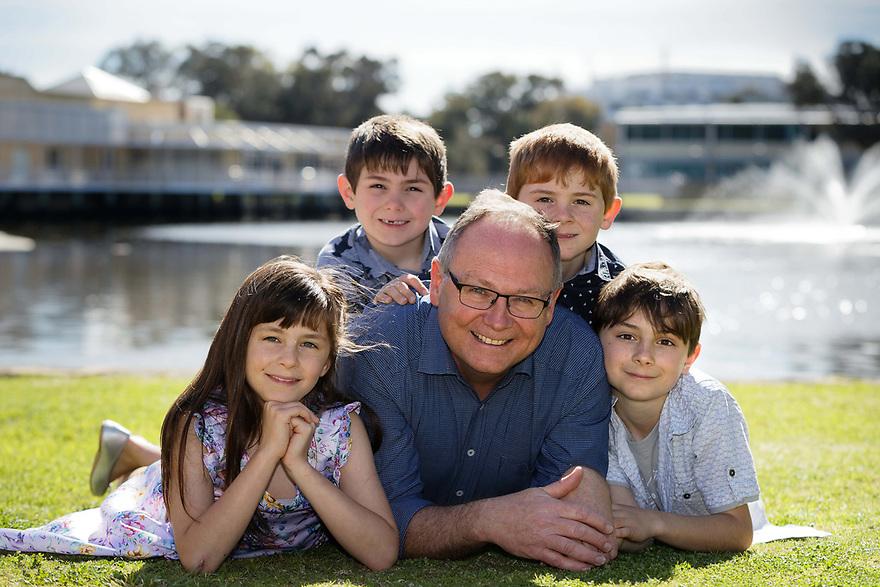 Mandurah MLA David Templeman with his four children Mia (8), Samuel (7), Charlie (8) and Jack (10). photo by Trevor Collens
