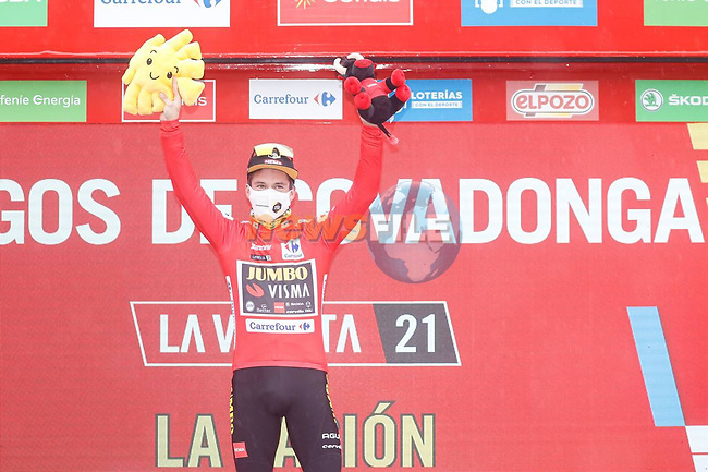 Primoz Roglic (SLO) Jumbo-Visma wins Stage 17 and retakes the race leaders Red Jersey of La Vuelta d'Espana 2021, running 185.8km from Unquera to Lagos de Covadonga, Spain. 1st September 2021.    <br /> Picture: Luis Angel Gomez/Photogomezsport | Cyclefile<br /> <br /> All photos usage must carry mandatory copyright credit (© Cyclefile | Luis Angel Gomez/Photogomezsport)