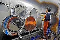 Indústria de espelhos convexos. São Paulo. 2008. Foto de Juca Martins.