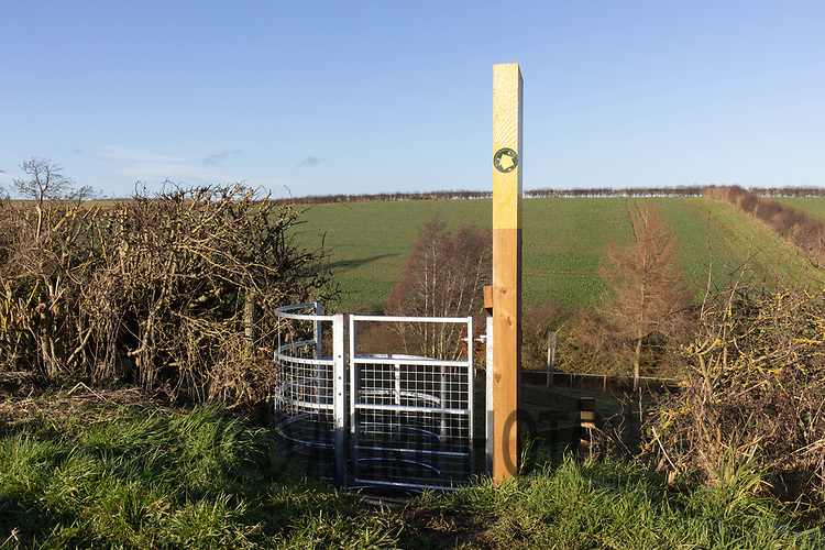 17/12/2020 Hand gate and direction sign on a public footpath crossing farmland  in Rutland<br /> ©Tim Scrivener Photographer 07850 303986<br />      ....Covering Agriculture In The UK....