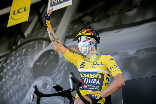 Yellow Jersey Primoz Rogloc (SLO) Team Jumbo-Visma at sign on before Stage 7 of Paris-Nice 2021, running 119.2km from Le Broc to Valdeblore La Colmiane, France. 13th March 2021.<br /> Picture: ASO/Fabien Boukla | Cyclefile<br /> <br /> All photos usage must carry mandatory copyright credit (© Cyclefile | ASO/Fabien Boukla)