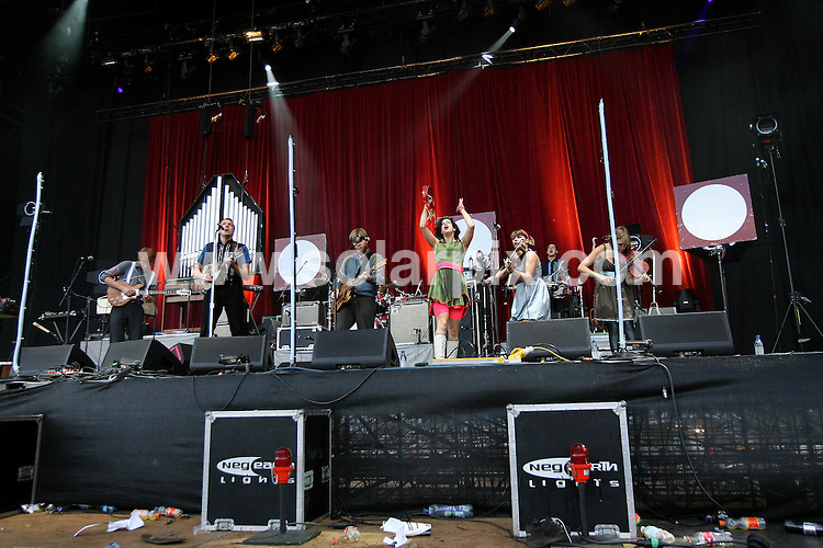 **ALL ROUND PICTURES FROM SOLARPIX.COM**.**WORLDWIDE SYNDICATION RIGHTS**.Arcade Fire perform live at the 2007 Leeds Festival..This pic: Arcade Fire..JOB REF: 4728 SSD     DATE: 26_08_2007.**MUST CREDIT SOLARPIX.COM OR DOUBLE FEE WILL BE CHARGED* *UNDER NO CIRCUMSTANCES IS THIS IMAGE TO BE REPRODUCED FOR ANY ONLINE EDITION WITHOUT PRIOR PERMISSION*