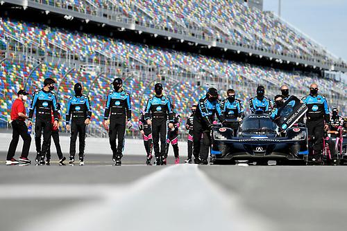 #10 Konica Minolta Acura ARX-05 Acura DPi, DPi: Helio Castroneves, Alexander Rossi, Filipe Albuquerque, Ricky Taylor<br /> Pre-race