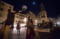 "Collective of Theater actors, artists and poets lead by Gi & MaRio Dal Mare, DoMe, DaRlì, performed in Campo de' Fiori celebrating Giordano Bruno, using ""la pratica della via del cerchio delle tribù native [che] fiorisce con il primo atto delle Lupercali, antica celebrazione di iniziazione e purificazione in onore di FaUno e FaUna nel palcoscenico dell'eterna città RomAmoR"".<br />