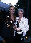ENRICA BONACCORTI CON LA MADRE<br /> ROMA 1997