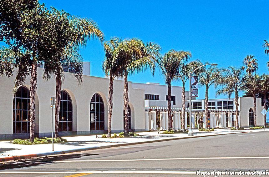 Robert Venturi: Museum of Contemporary Art, La Jolla. Facade Re-design. Photo '97.
