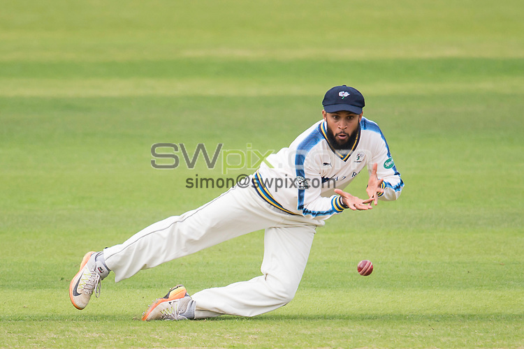 Picture by Allan McKenzie/SWpix.com - 07/09/2017 - Cricket - Specsavers County Championship - Yorkshire County Cricket Club v Middlesex County Cricket Club - Headingley Cricket Ground, Leeds, England - Adil rashid fields.