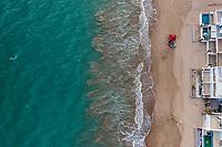 Aerial view of white beach houses in Kino Bay, Sonora, Mexico .. landscape, sea, beach, tourist destination, travel, Gulf of California, aerial, high angle view, beach, northwest, calm, aerial photography, horizon The Sea of Cortes or Red Sea that is located between the Baja California peninsula. tourist destination. land, solid ground on the horizon, real estate, real estate ... (Photo: Luis Gutierrez / NortePhoto.com)<br /> <br /> Vista aerea de casas de playa de color blanco en la Bahía de Kino, Sonora, México..paisaje, mar, playa destino turistico, viaje, Golfo de California, aerial, high angle view, beach,  northwest, calm, fotografia aerea, horizon.El Mar de Cortes o mar Bermejo que se encuentra entre la península de Baja California. destino turístico. tierra, tierra firme en el horizonte, real estate, real estate... (Photo: Luis Gutierrez / NortePhoto.com)