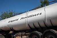 Liquid fertiiliser tanker