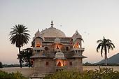 Udaipur, Rajasthan, India. Jagmandir Palace, inspiration for the Taj Mahal. Lake Pichola. Evening.