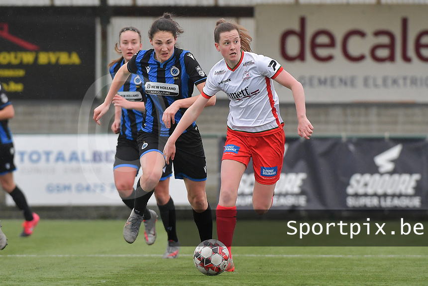 Summer Rogiers (8) of Zulte-Waregem and Frieke Temmerman (17) of Club Brugge  pictured during a female soccer game between SV Zulte - Waregem and Club Brugge YLA on the 13 th matchday of the 2020 - 2021 season of Belgian Scooore Womens Super League , saturday 6 th of February 2021  in Zulte , Belgium . PHOTO SPORTPIX.BE | SPP | DIRK VUYLSTEKE