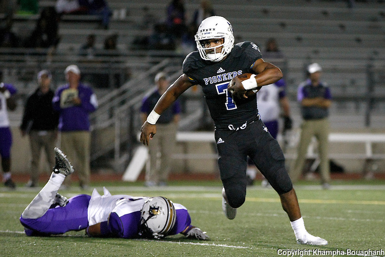 Boswell plays Denton in district 5-5A high school football in Fort Worth on Friday, October 2, 2015. Boswell won 44-38. (photo by Santi Xaysompheng)