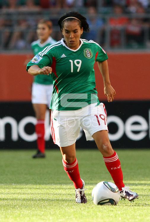 Wolfsburg , 270611 , FIFA / Frauen Weltmeisterschaft 2011 / Womens Worldcup 2011 , Gruppe B  ,  ..England - Mexico ..Monica Ocampo (Mexico) ..Foto:Karina Hessland ..