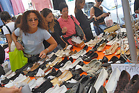 - Milan, street market of Papiniano avenue....- Milano, mercato di viale Papiniano