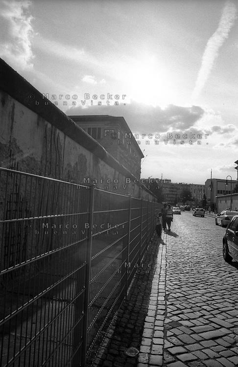 berlino, resti del muro di berlino --- berlin, rests of the berlin wall