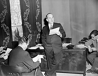 Le ministre Pierre Laporte<br /> , Entre le 14 et le 21 janvier 1963<br /> <br /> Photographe : Photo Moderne<br /> - Agence Quebec Presse