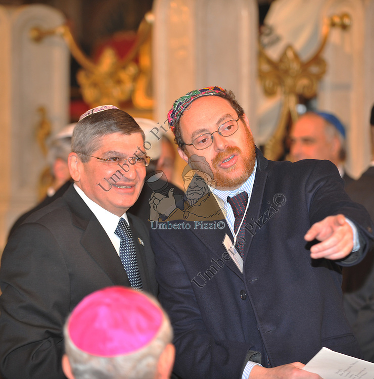 L' AMBASCIATORE ISRAELIANO GIDEON MEIR  CON VICTOR MAGIAR