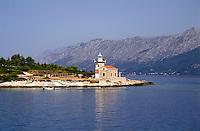 Isola Hvar (Lesina). il faro a Sućuraj (San Giorgio) --- Hvar island, lighthouse of Sućuraj
