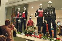 - shopping nel centro di Milano, corso Vittorio Emanuele e via Montenapoleone.- shopping in the center of Milan, Vittorio Emanuele and  Montenapoleone street Italian town