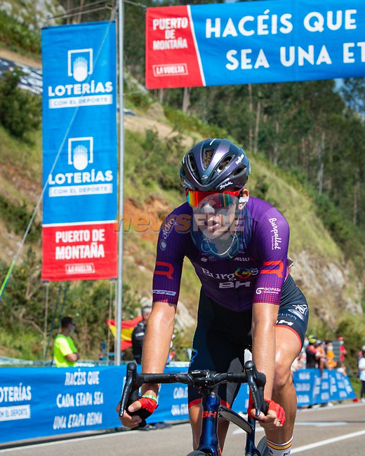 Jetse Bol (NED) Burgos-BH from the breakaway during Stage 16 of La Vuelta d'Espana 2021, running 180km from Laredo to Santa Cruz de Bezana, Spain. 31st August 2021.     <br /> Picture: Cxcling | Cyclefile<br /> <br /> All photos usage must carry mandatory copyright credit (© Cyclefile | Cxcling)