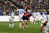 Ioannis Amanatidis und Martin Fenin (Eintracht) gegen Ynthar Yahia (Bochum)<br /> Eintracht Frankfurt vs. VfL Bochum, Commerzbank Arena<br /> *** Local Caption *** Foto ist honorarpflichtig! zzgl. gesetzl. MwSt. Auf Anfrage in hoeherer Qualitaet/Aufloesung. Belegexemplar an: Marc Schueler, Am Ziegelfalltor 4, 64625 Bensheim, Tel. +49 (0) 6251 86 96 134, www.gameday-mediaservices.de. Email: marc.schueler@gameday-mediaservices.de, Bankverbindung: Volksbank Bergstrasse, Kto.: 151297, BLZ: 50960101