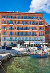 Frankreich, Provence-Alpes-Côte d'Azur, Villefranche-sur-Mer: das bekannte Hotel Welcome am Quai de l'Amiral Courbet | France, Provence-Alpes-Côte d'Azur, Villefranche-sur-Mer: famous Hotel Welcome at Quai de l'Amiral Courbet