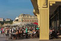 France, Aquitaine, Pyrénées-Atlantiques, Pays Basque, Biarritz:  la grande plage et le Casino Municipal monument Art Déco //  France, Pyrenees Atlantiques, Basque Country: the Grande Plage and the  Casino, Art Deco monument