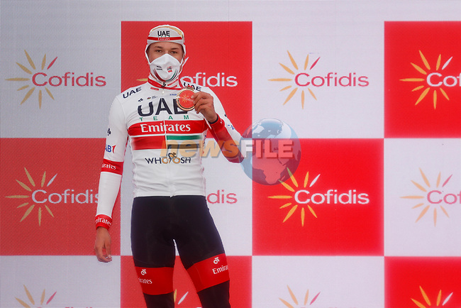Jasper Philipsen (BEL) UAE Team Emirates wins Stage 15 of the Vuelta Espana 2020, running 230.8km from Mos to Puebla de Sanabria, Spain. 5th November 2020. <br /> Picture: Luis Angel Gomez/PhotoSportGomez   Cyclefile<br /> <br /> All photos usage must carry mandatory copyright credit (© Cyclefile   Luis Angel Gomez/PhotoSportGomez)