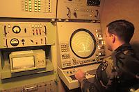 - guide radar of antiaircraft missile Patriot system....- radar di guida del sistema missilistico antiaereo Patriot