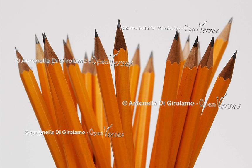 Prodotti per scuola e ufficio.Products for school and office....