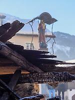 Festwagen beim Aufzug der Masken beim Nassereither Schellerlauf, Fasnacht in Nassereith, Bezirk Imst, Tirol, Österreich, Europa, immaterielles UNESCO Weltkulturerbe<br /> float at Gathering of the masks, Nassereither Schellerlauf-Fasnacht, Nassereith, Tyrol, Austria Europe, Intangible World Heritage