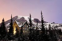 Paradise Inn Lodge and Mount Rainier, Paradise, Mount Rainier National Park, Washington, USA