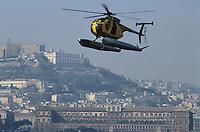 - Financial police, NH-500 helicopter in flight over Naples ....- Guardia di Finanza, elicottero NH-500 in volo su Napoli