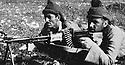 Iraq 1963 .Training of Peshmergas with machine-gun.Irak 1963.Entrainement des peshmergas au fusil-mitrailleur