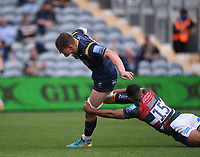 29th May 2021; Sixways Stadium, Worcester, Worcestershire, England; Premiership Rugby, Worcester Warriors versus Leicester Tigers; Ted Hill of Worcester Warriors escapes the tackle by Zack Henry of Leicester Tigers to go on and score a try
