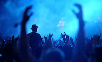 With Full Force XVI Festival Open Air - Roitzschjora / Löbnitz bei Leipzig - 40.000 metal heads join the biggest metal festival in eastern germany - ca 40.000 Besucher sind zur alljährlichen Ohrenmassage auf dem Segelflugplatz erschienen- im Bild: Feature Gesten der Fans vor der Bühne . Foto: Norman Rembarz..