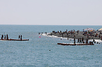 Badeinseln am Olympic Beach - 24.06.2017: Strand Olympic Beach in Sotschi am Fisht Stadium