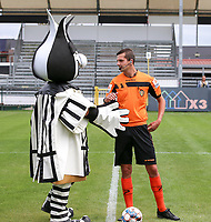 Aalst mascot gives a hand to match referee Arno Cornelis before a female soccer game between Eendracht Aalst and Dames Club Brugge YLA on the first matchday of the 2020 - 2021 season of Belgian Women's SuperLeague , friday 28 of August 2020  in Aalst , Belgium . PHOTO SPORTPIX.BE | SPP | SEVIL OKTEM