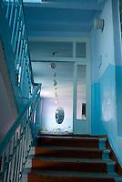 REPUBLIC OF MOLDOVA, Gagauzia, Vulcanesti, 2009/07/2..Corridor of the school of Tomai are painted with colors of Gagauzia. The instruction is in Russian language with Moldovan. The Gagauz language, which is the language of the majority of Gagauz people, is taught only in language classes..© Bruno Cogez / Est&Ost Photography..REPUBLIQUE MOLDAVE, Gagaouzie, Tomai, 2/07/2009..Couloir de l'école de Tomai aux couleurs de la Gagaouzie. L'enseignement se fait en russe, langue officielle avec le moldave. Le gagaouze, langue majoritaire en Gagaouzie, n'est enseignée que dans des cours de langue..© Bruno Cogez / Est&Ost Photography